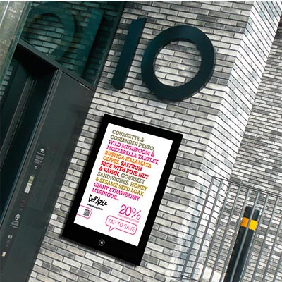 Outdoor Enlighten NFC Smart poster display - black mount