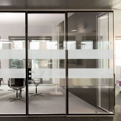 DDA Compliant Glass Manifestation