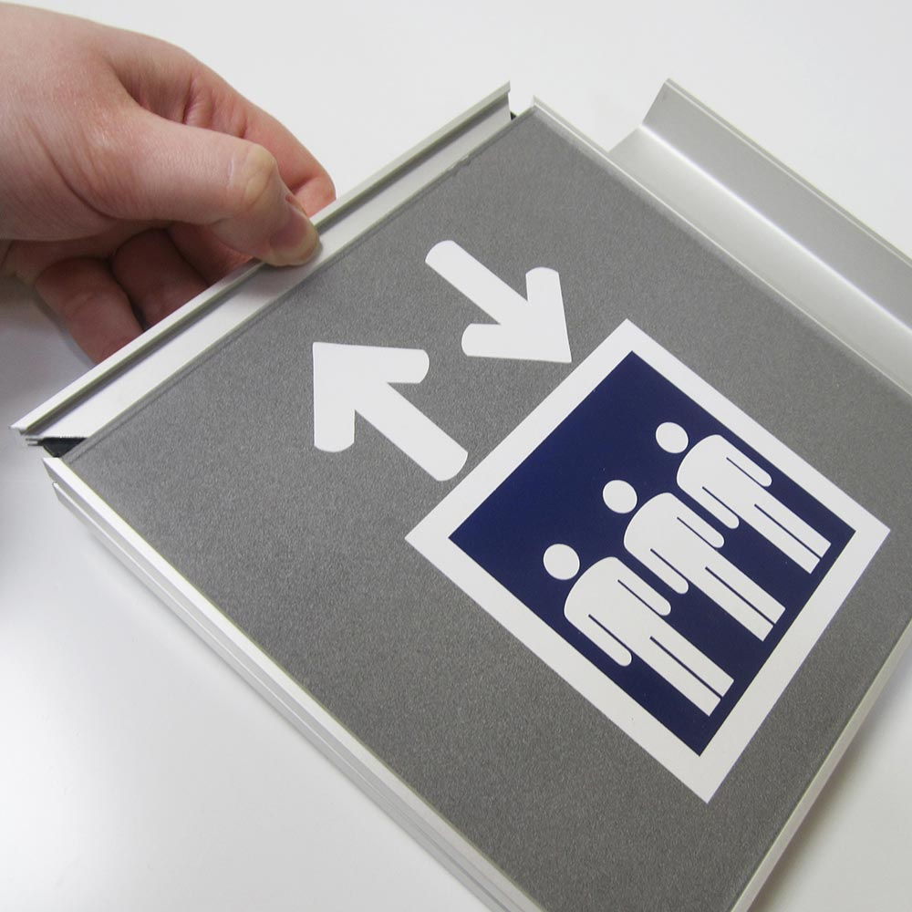 Graphic insert sign system
