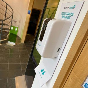 SANITISE PLUS - WALL-MOUNTED AUTOMATIC SANITISING STATION - TOUCH FREE