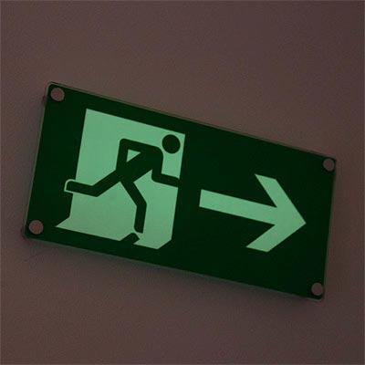 WALL MOUNTED PHOTOLUMINESCENT FIRE ESCAPE SIGNS